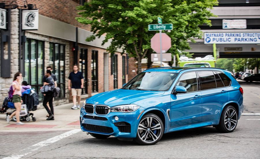 2017 bmw x5 m idrive infotainment review car and driver. Black Bedroom Furniture Sets. Home Design Ideas
