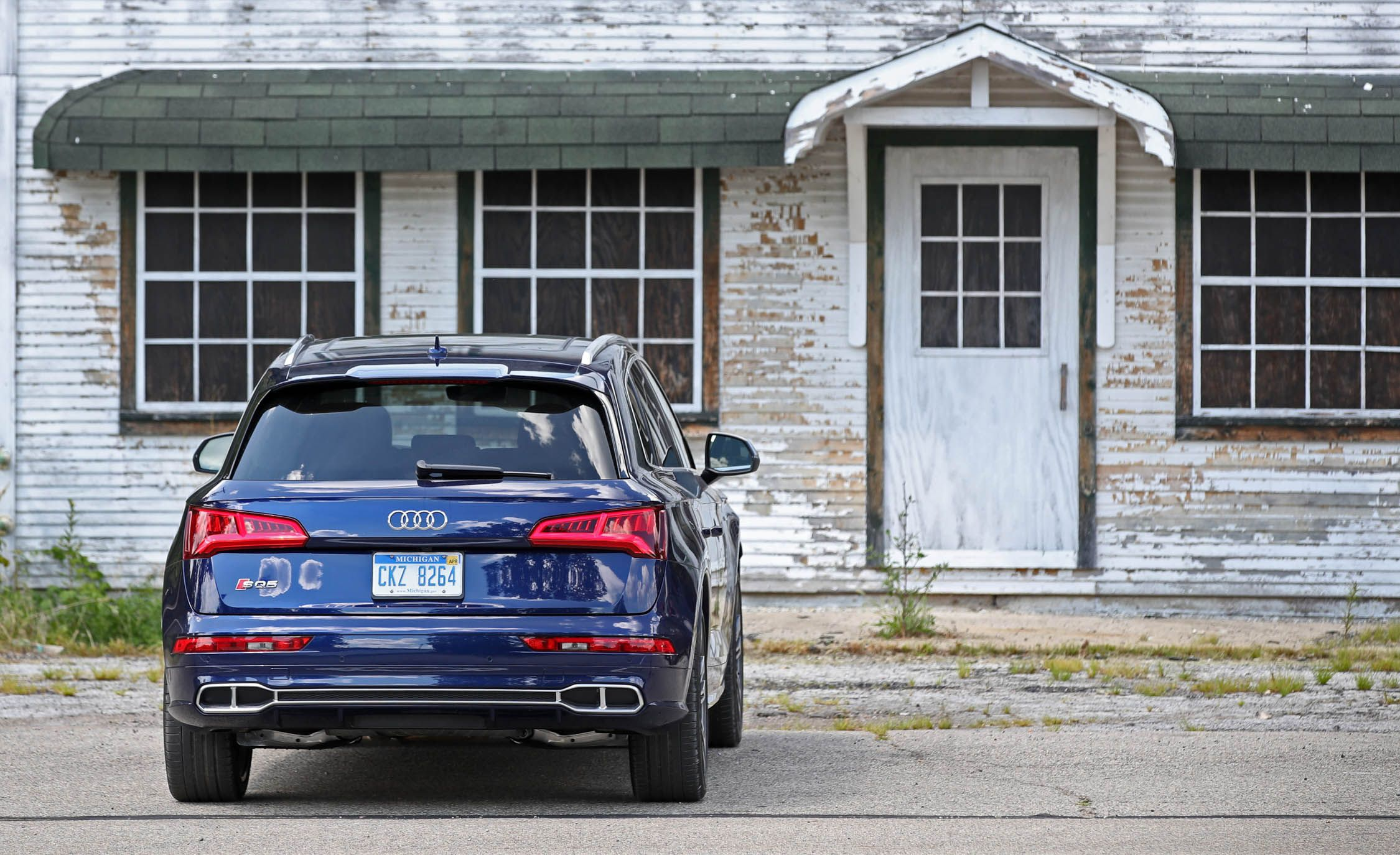 2018 Audi SQ5 Cargo Space and Storage Review