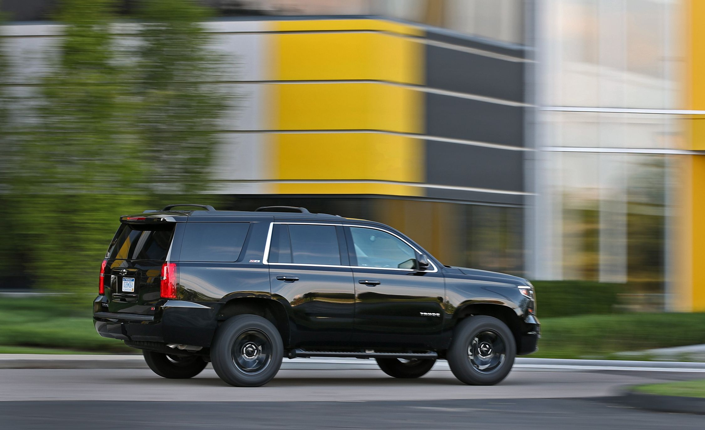 2017 Chevrolet Tahoe Fuel Economy Review Car And Driver
