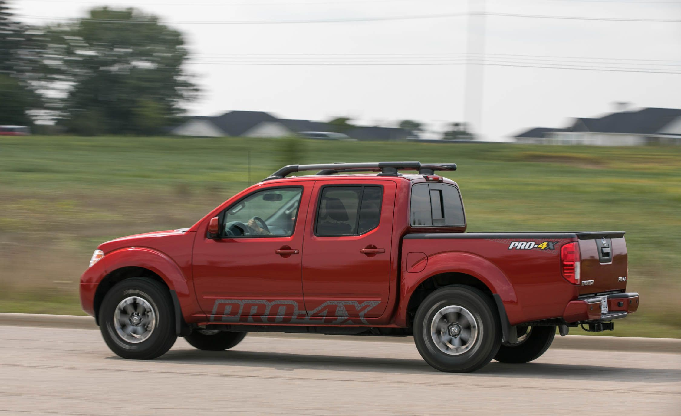 2017 Nissan Frontier Pro-4X 4x4 Crew Cab Automatic Test   Review   Car and  Driver