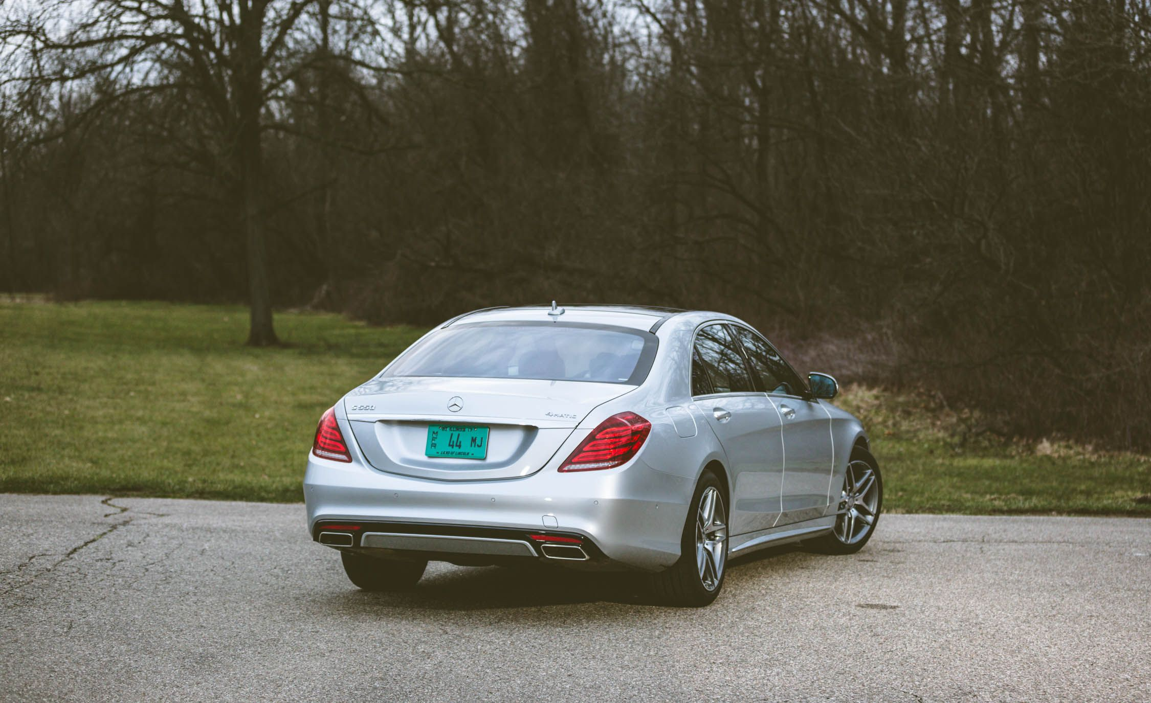 Mercedes-Benz E-Class: Storing and maintaining the current speed
