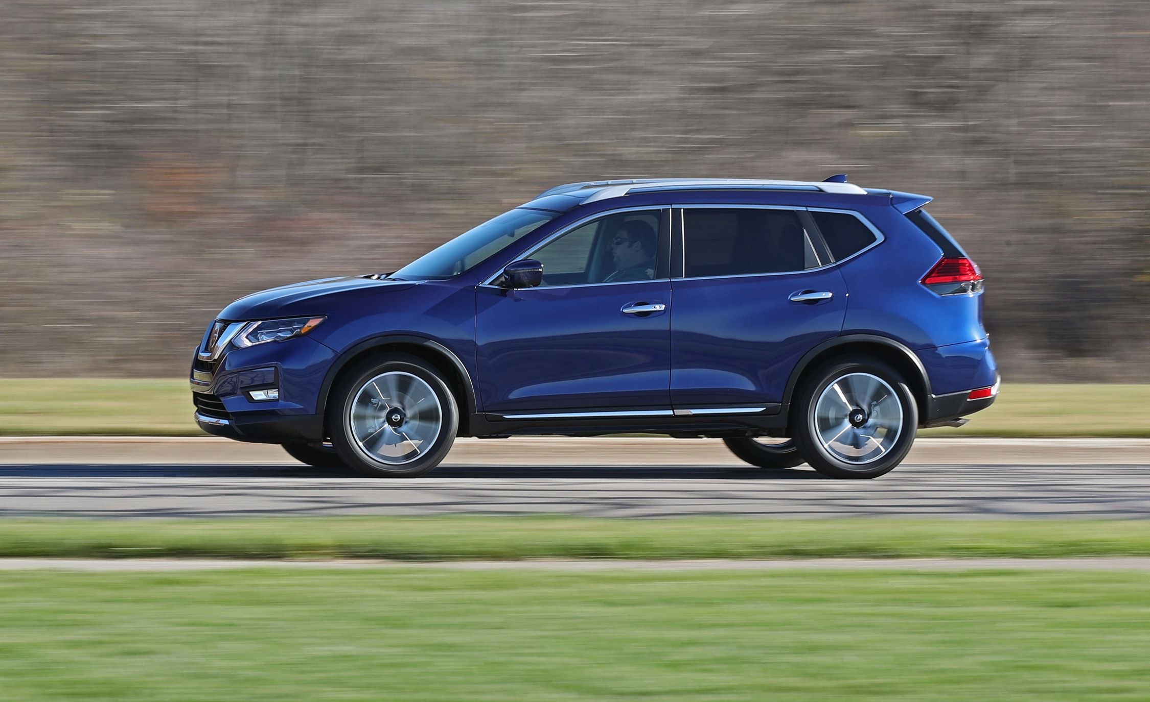 Nissan Rogue Owners Manual: Intelligent 4WD (if so equipped)
