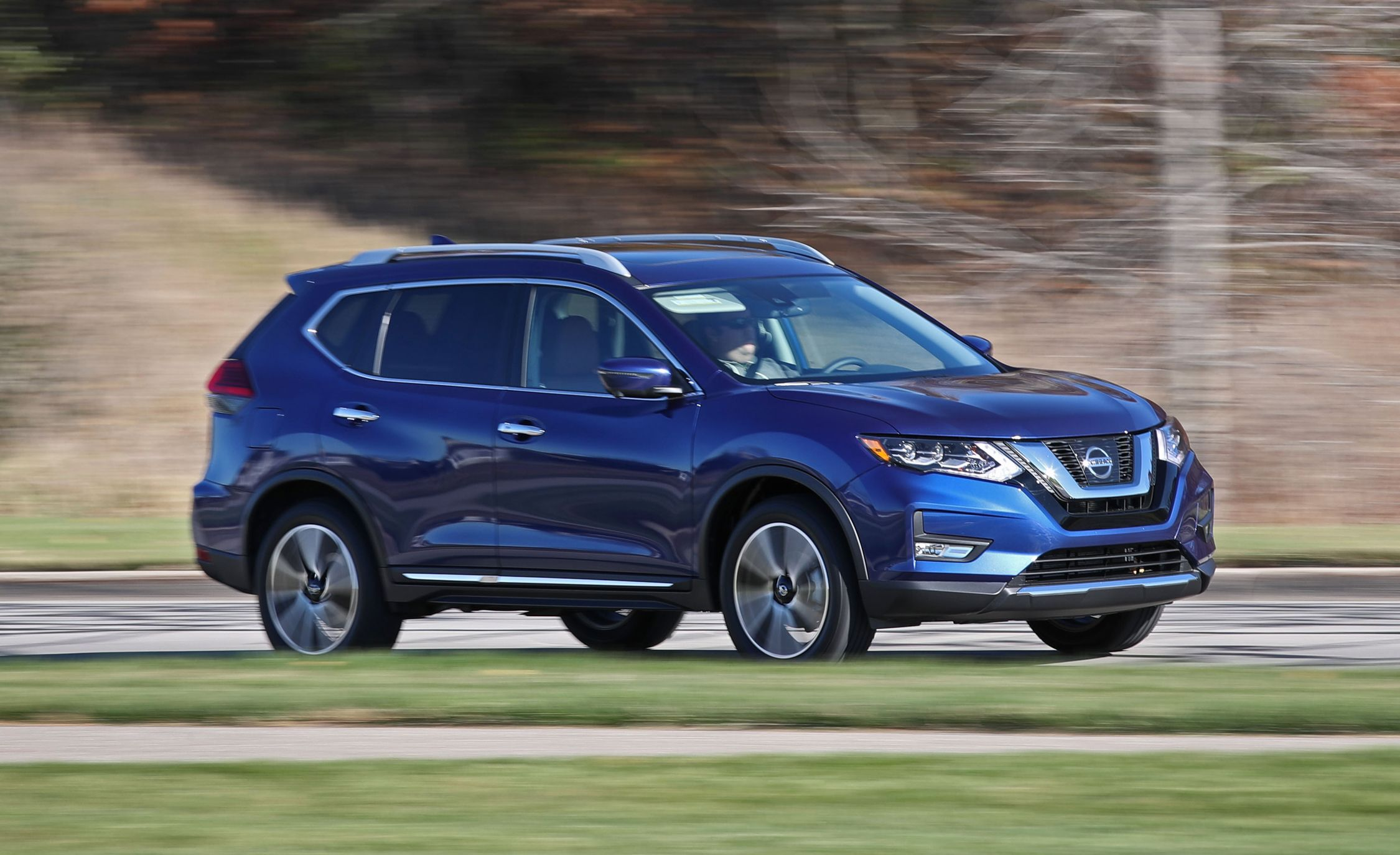 Nissan Rogue Owners Manual: NISSAN Jackknife key (if so equipped)