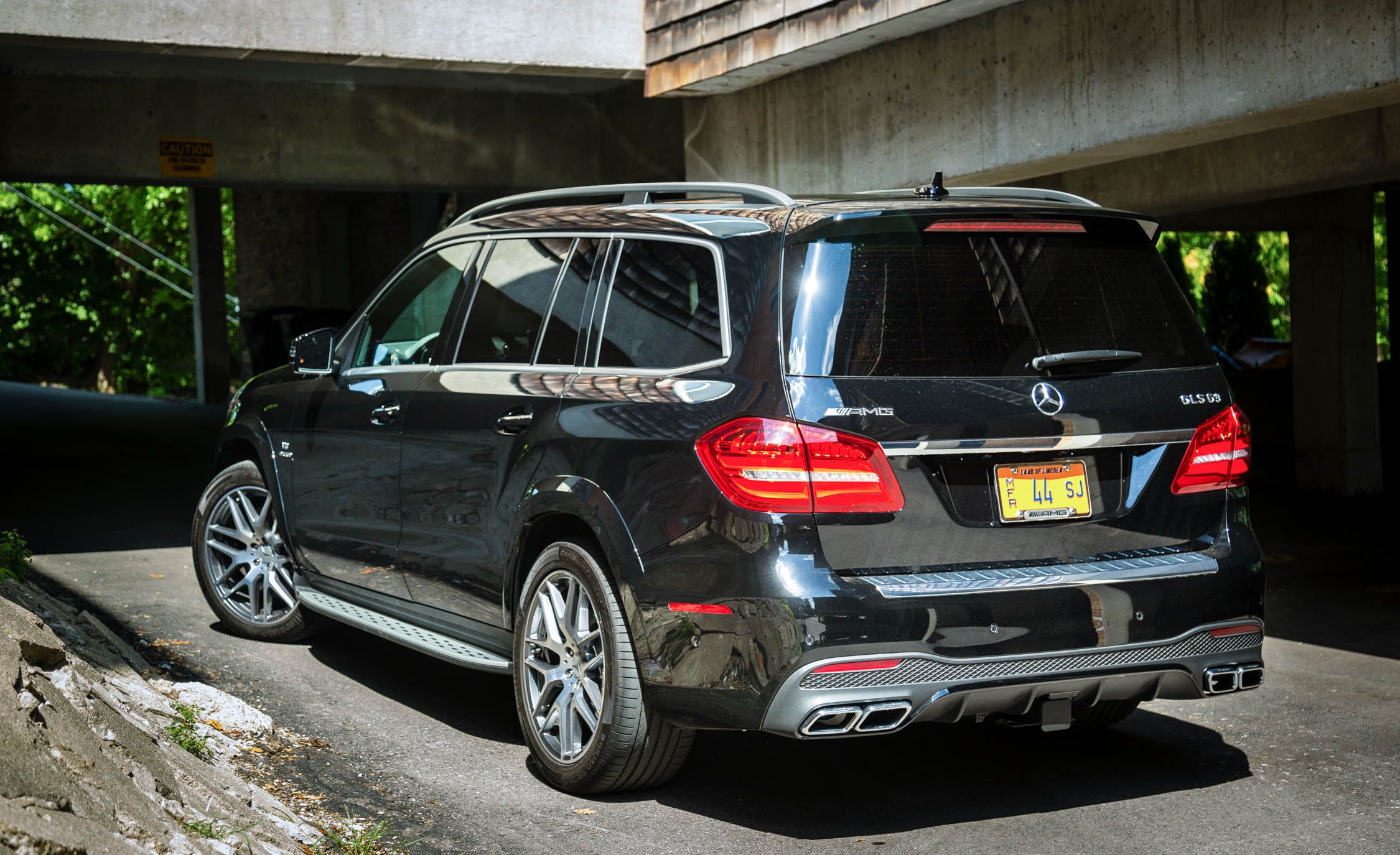2017 Mercedes Amg Gls63 Warranty Review Car And Driver