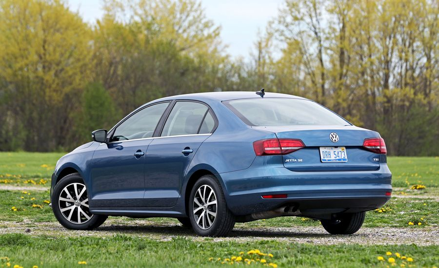 2018 volkswagen jetta cargo space and storage review car and driver. Black Bedroom Furniture Sets. Home Design Ideas