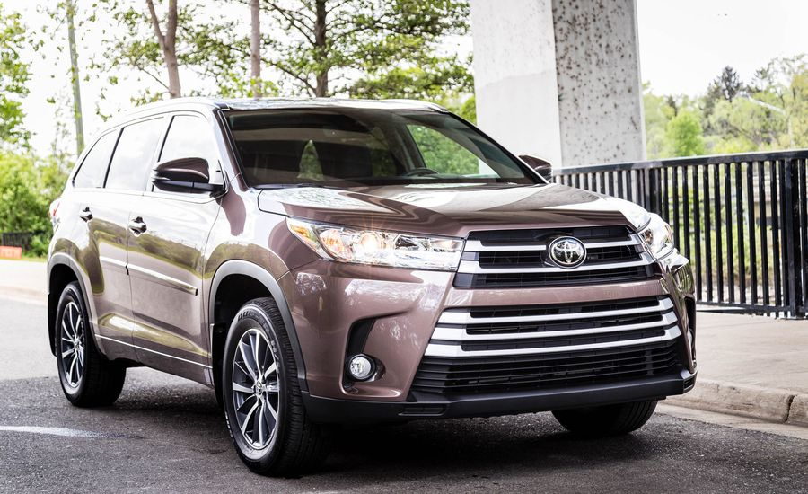 2017 toyota highlander entune infotainment review car and driver. Black Bedroom Furniture Sets. Home Design Ideas