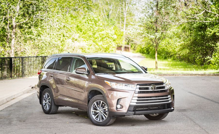 2017 toyota highlander exterior review car and driver. Black Bedroom Furniture Sets. Home Design Ideas