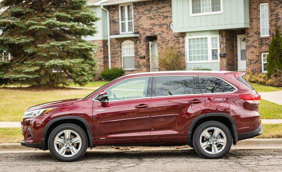 2017 toyota highlander interior review car and driver for 2017 toyota highlander interior photos