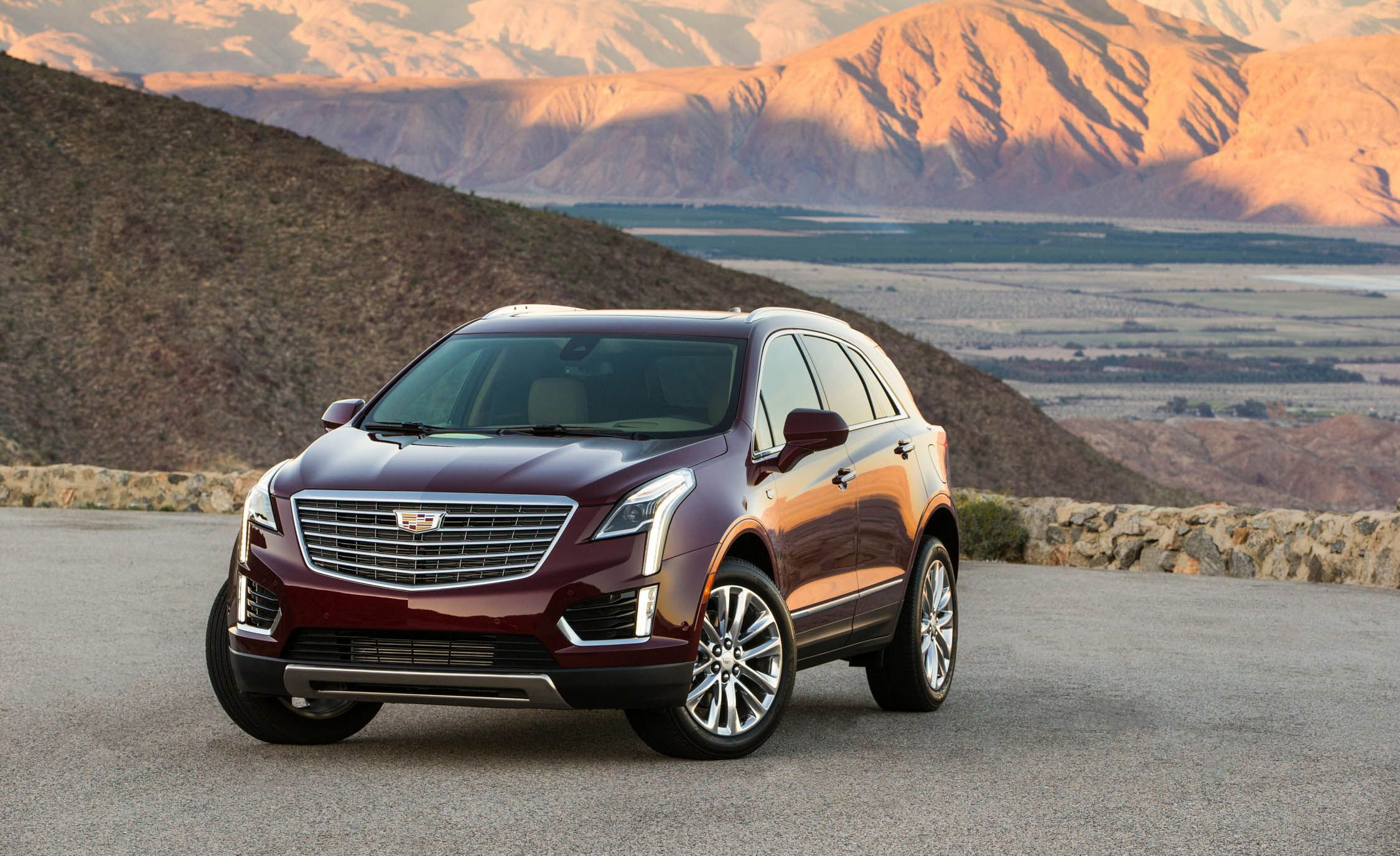 2018 Cadillac Xt5 Fuel Economy Review Car And Driver