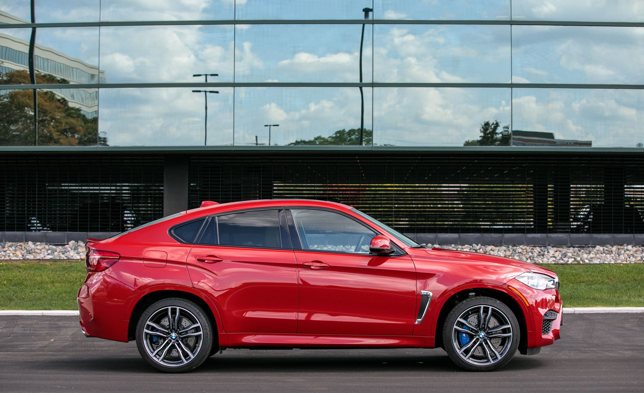 2017 Bmw X6 M Interior Review Car And Driver