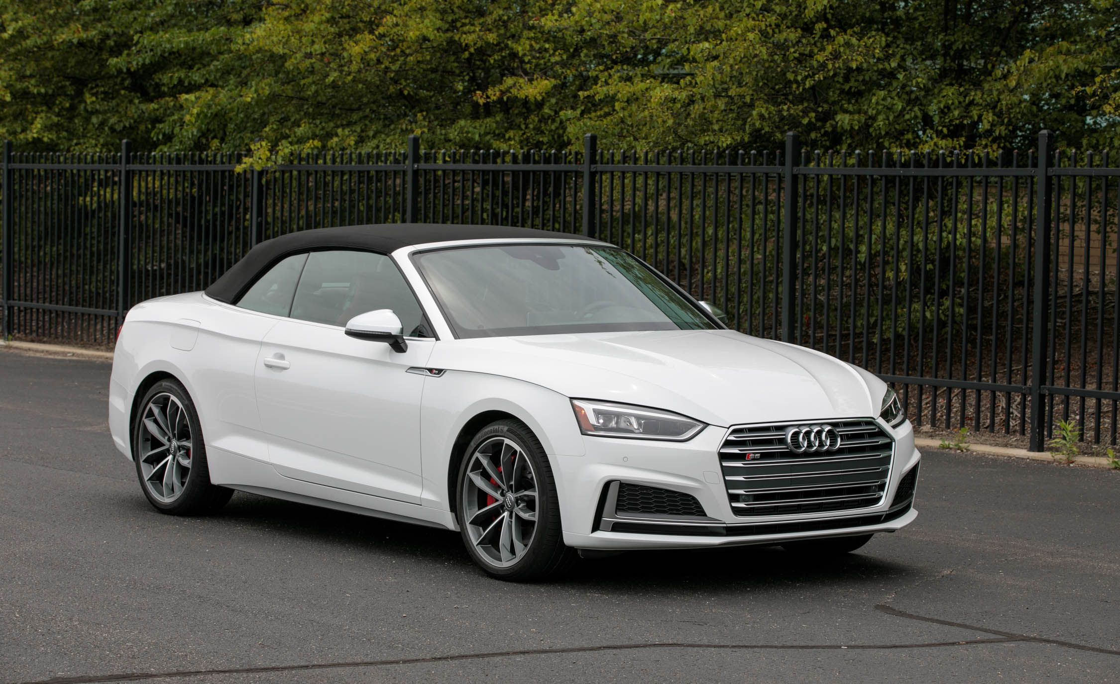 2018 Audi S5 Coupe And Cabriolet Interior Review Car And Driver