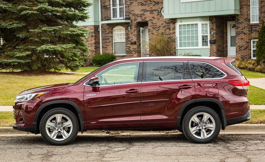 2018 Toyota Highlander Interior Review Car And Driver