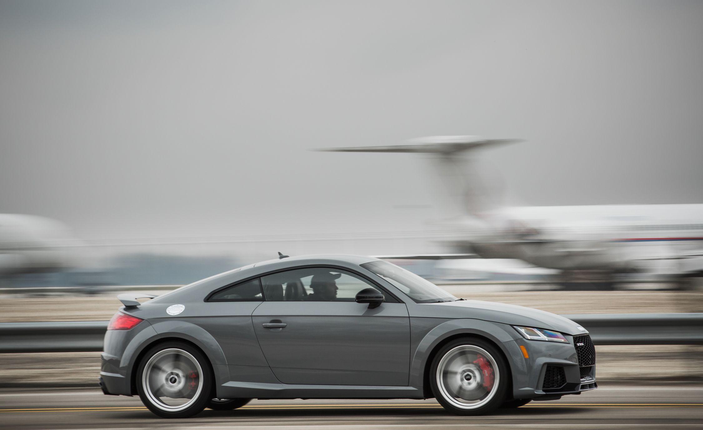 2018 audi tt rs interior review car and driver rh caranddriver com