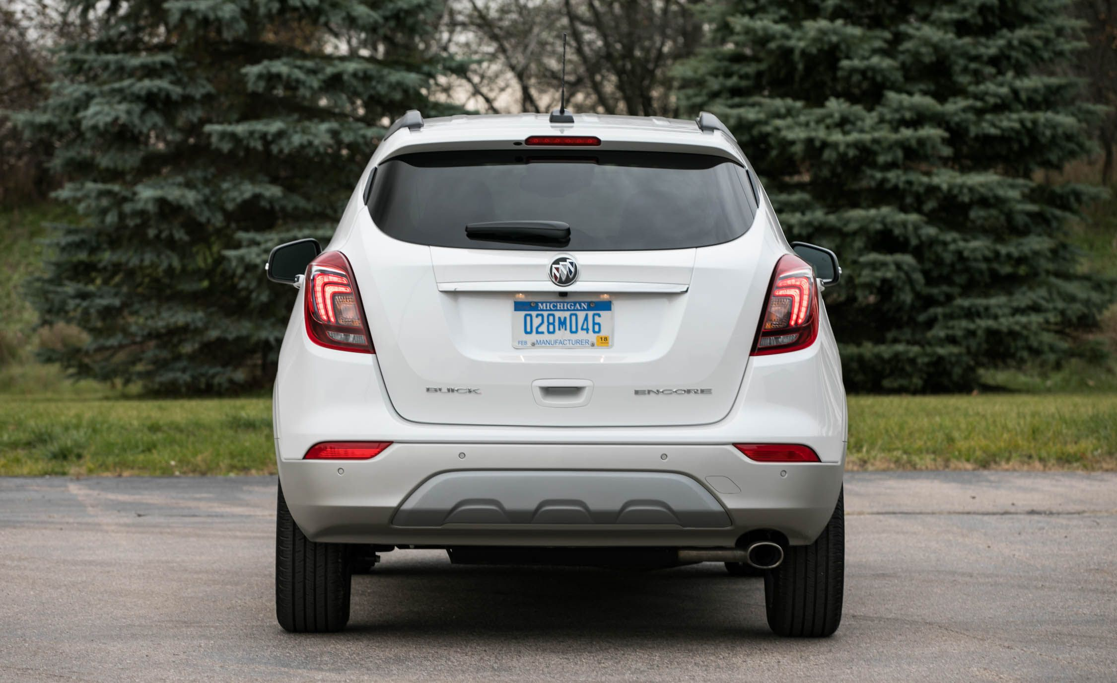 2018 buick encore cargo space and storage review car. Black Bedroom Furniture Sets. Home Design Ideas