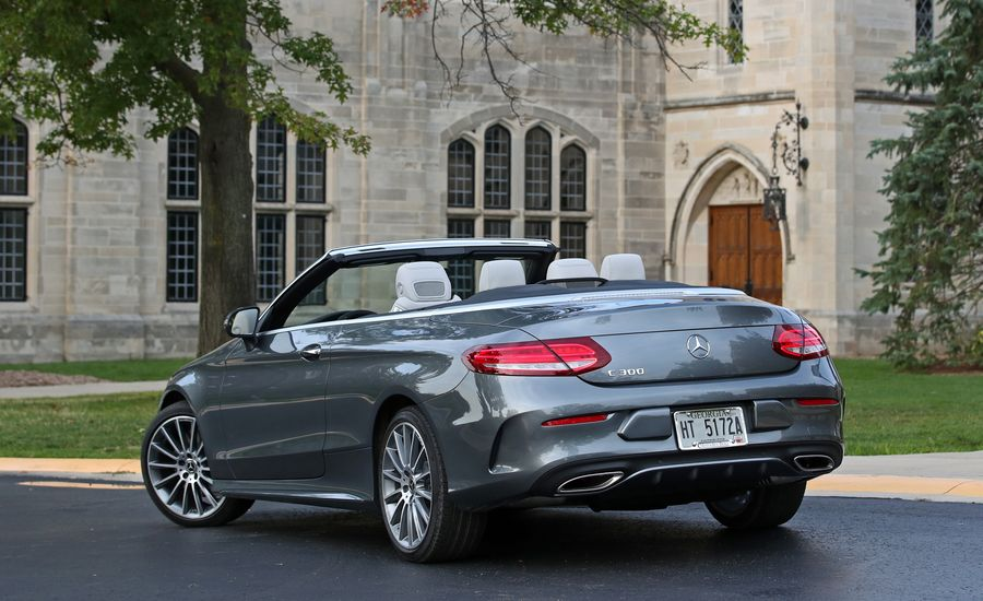 2018 mercedes benz c class coupe and cabriolet cargo for Mercedes benz car trunk organizer