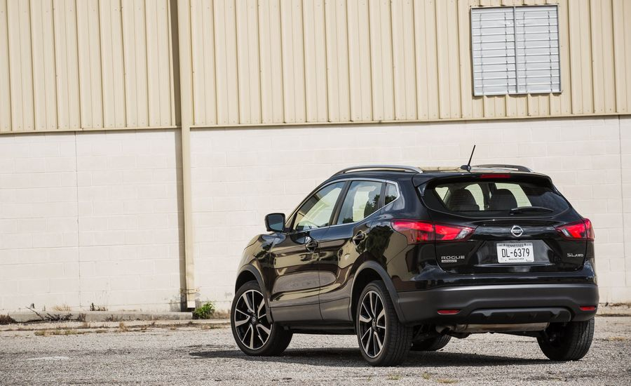 2018 nissan rogue sport cargo space and storage review car and driver. Black Bedroom Furniture Sets. Home Design Ideas