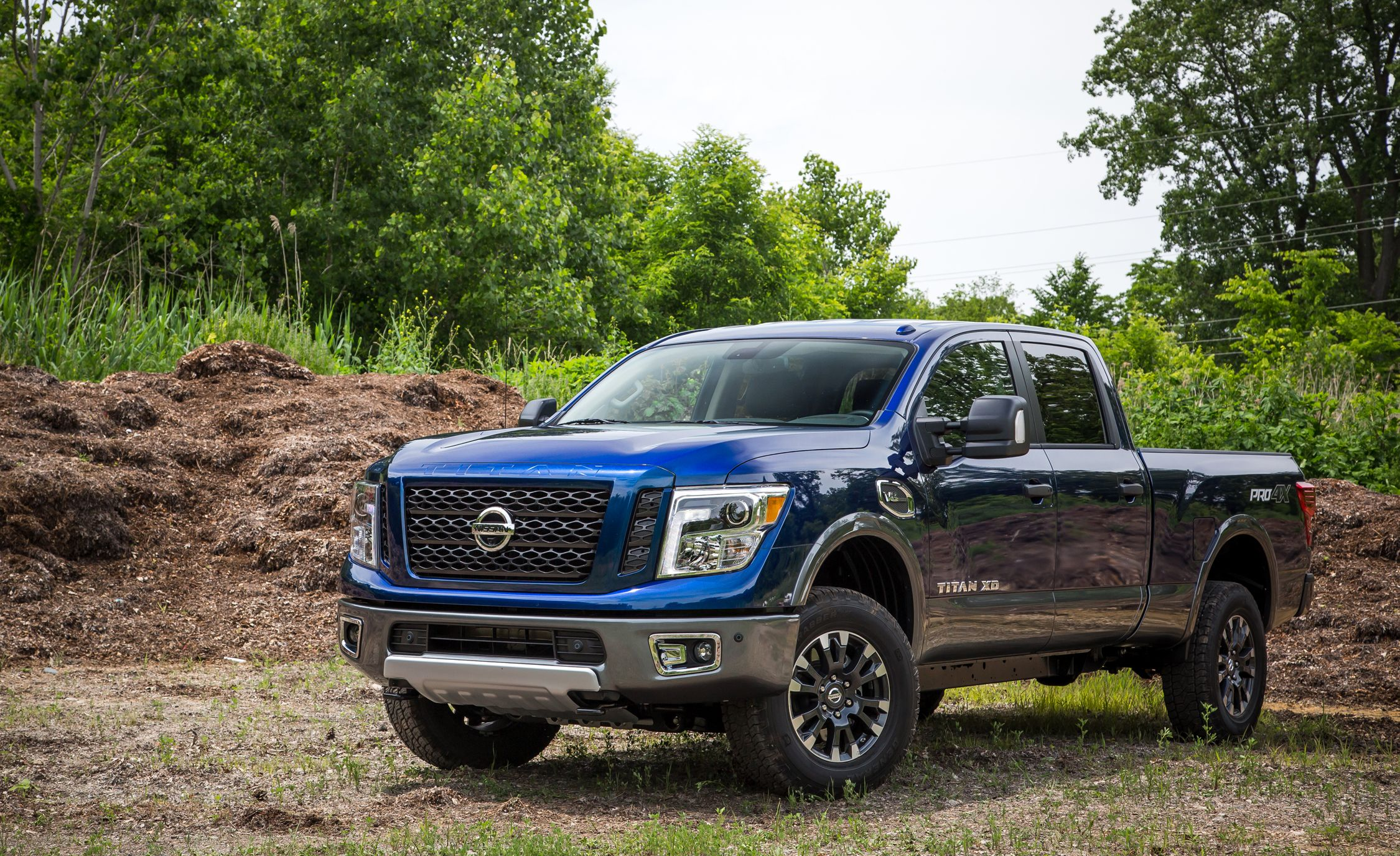 2018 Nissan Titan Xd In Depth Model Review Car And Driver