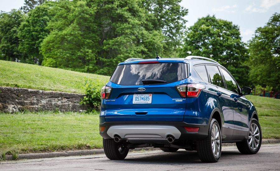 2018 ford escape cargo space and storage review car. Black Bedroom Furniture Sets. Home Design Ideas