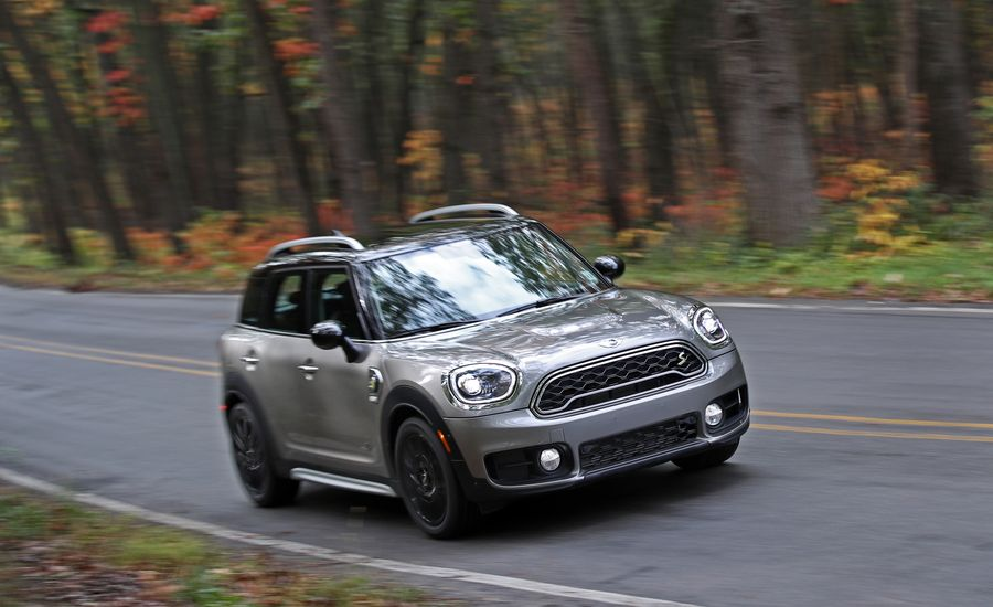 2018 mini cooper countryman safety and driver assistance review car and driver. Black Bedroom Furniture Sets. Home Design Ideas