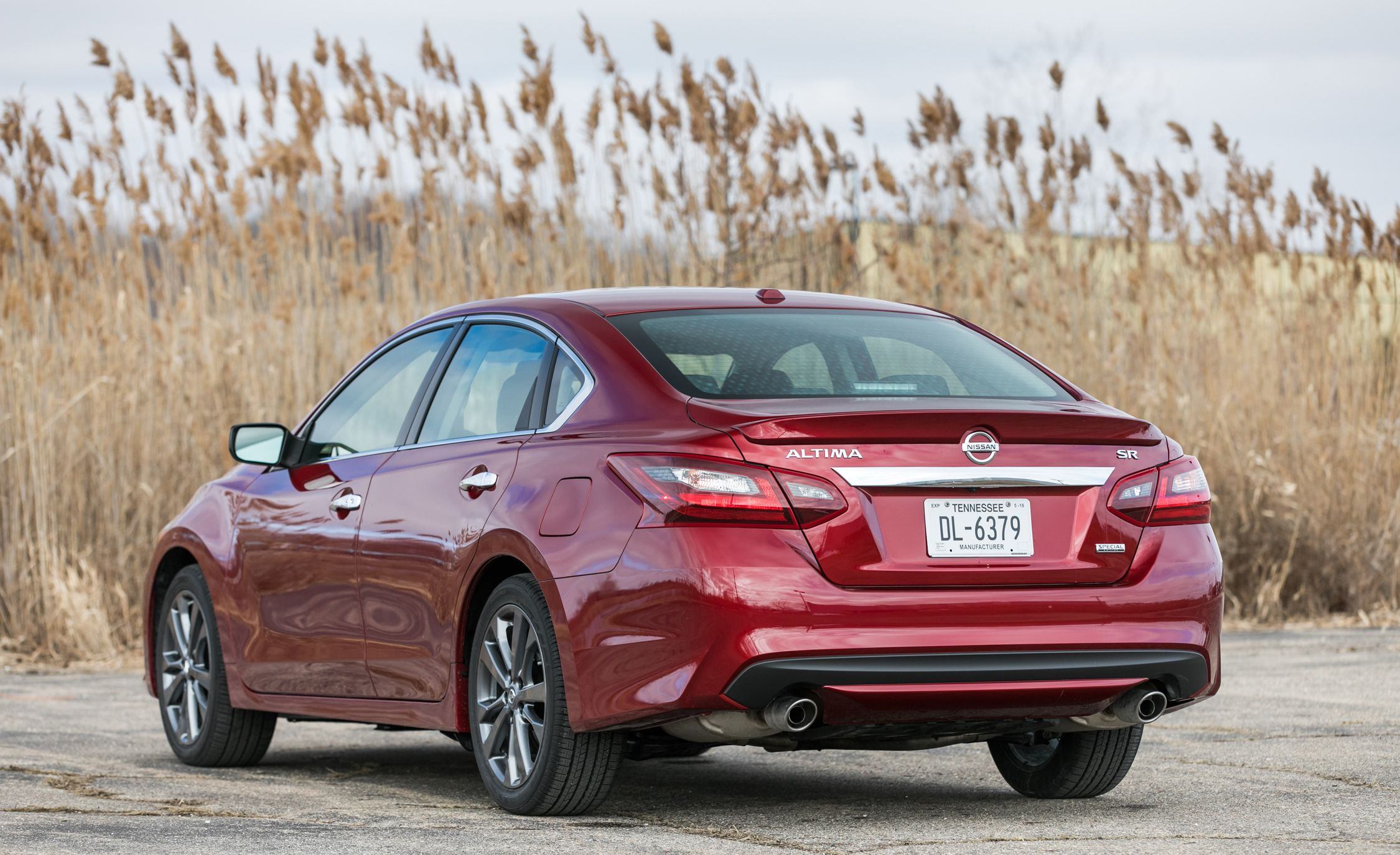 2018 nissan altima in depth model review car and driver
