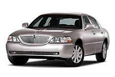 2007 Lincoln Town Car Features And Specs Car And Driver