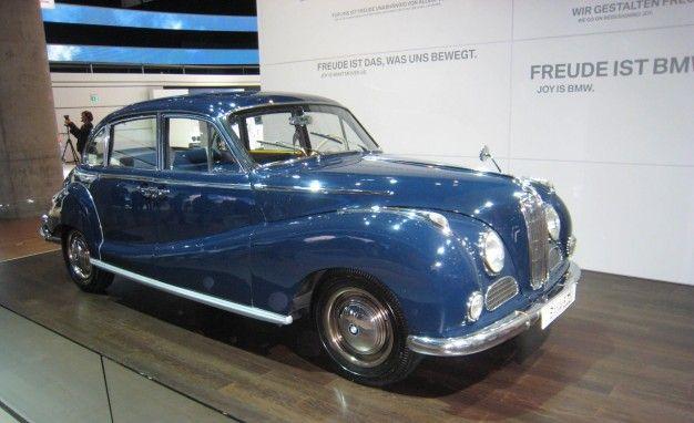 Old Cars in Frankfurt: Big BMW Bloodlines