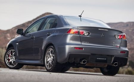 2010 Mitsubishi Lancer Evolution Gets Revised Interior, New Touring Package