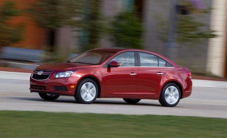 Chevrolet Bumps the 2012 Cruze's Fuel Economy to 39 mpg in Several Trims