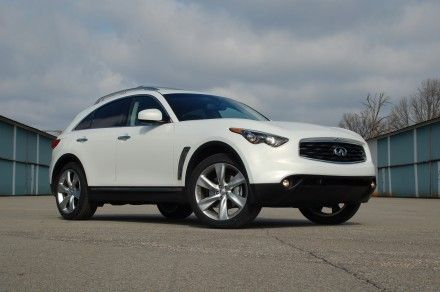 2009 Infiniti FX50S: Making a Connection [Long-Term Logbook]