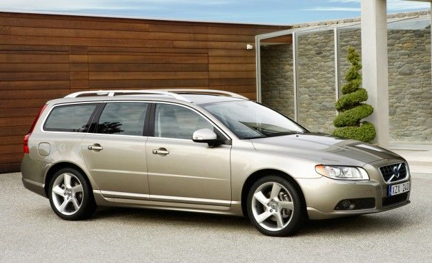 Volvo Will Drop V70 Wagon, Reduce Engine Choices for 2011