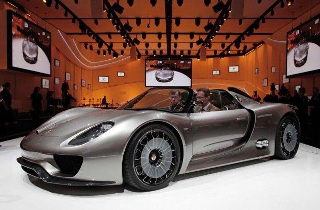 Porsche Unveils 918 Spyder Plug-In Hybrid Concept