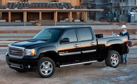 GMC Expands Availability of Denali Pack for Heavy-Duty Sierras
