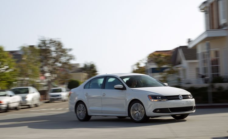 Volkswagen Confirms Jetta Hybrid to Use Twincharger Engine