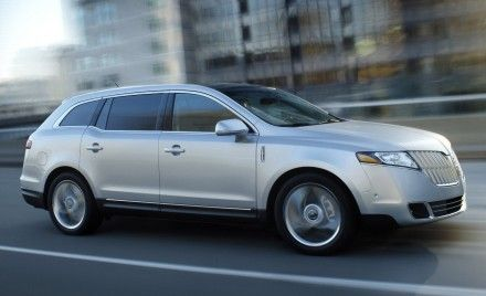Lincoln to Add Livery, Limousine Versions of MKT Crossover in 2012