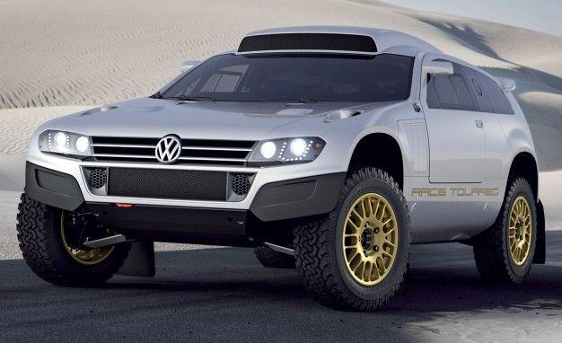 Volkswagen Unveils Special Race, 24-Carat Gold Touaregs in Qatar