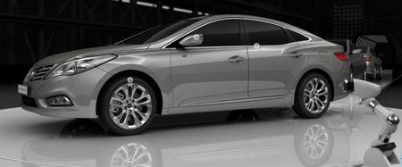 2012 Hyundai Azera Will Debut at November's L.A. Auto Show, Says Tweeting CEO