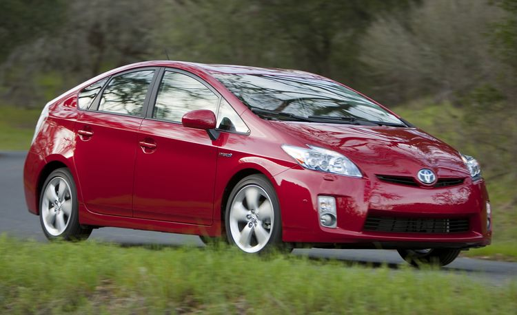 Toyota Planning to Add Another 10 Hybrids Worldwide By 2015