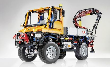 Mercedes-Benz and Lego Team Up To Create Amazing Scale Unimog U400 You Can Buy and Build