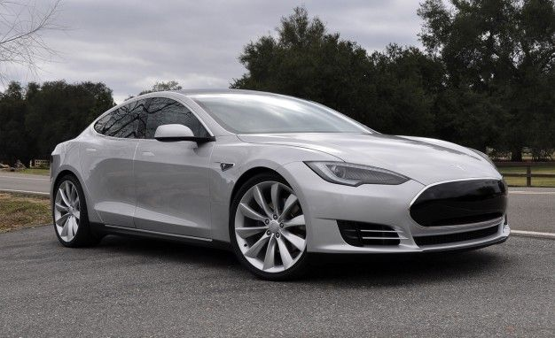 Tesla Says Model S Arrives in June, Not July, and Announces New Contract for Benz EV