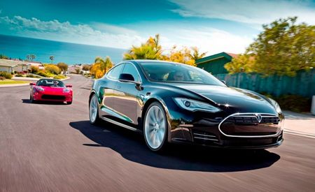 All-Wheel-Drive Tesla Model S on the Horizon, Report Says