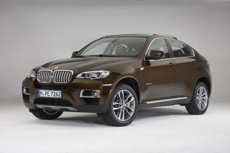 2013 BMW X6 Gets a Refresh, High-Output M Performance Packages