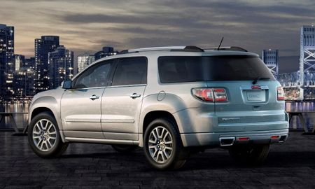 2013 GMC Acadia Raises Saturn Outlook Parts From the Dead [Chicago Auto Show]