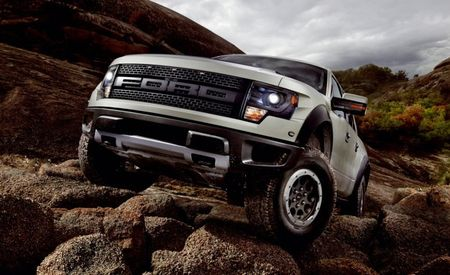 2013 Ford F-150 SVT Raptor Features Beadlock-Capable Wheels, HID Headlights