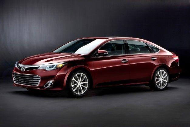 2013 Toyota Avalon Gets Hybrid Option