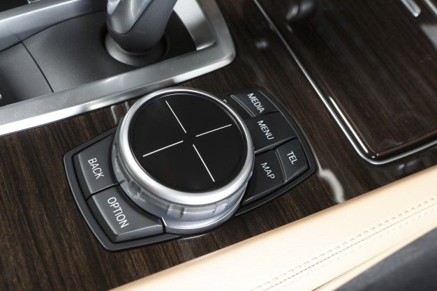 Handwriting-Sensitive Touchpad Chief Among New BMW iDrive Features