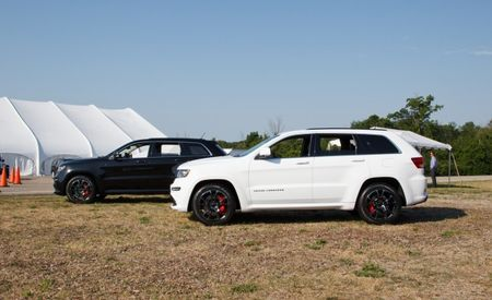 2013 Jeep Grand Cherokee SRT8 Adds Black-Trimmed Alpine and Vapor Special Editions