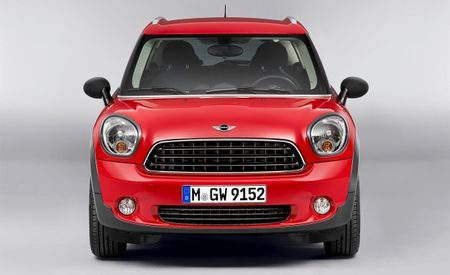 Mini Countryman Interior Gets Slightly Less Weird for 2013
