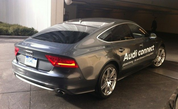 We Watch A Audi A Drive Away And Park All By ItselfWith No Driver - Audi self parking