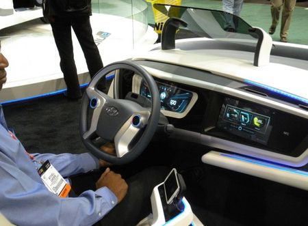 Hyundai Intuitive Connectivity Concept Previews Infotainment for the Future [2013 CES]
