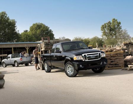 Ford Considers Challenges of New (Actually Compact) F-100/Ranger Pickup Truck